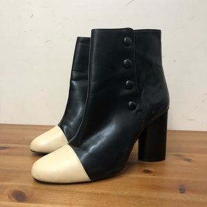 ZARA BUTTON ANKLE BOOTIES (39)